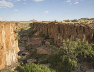 Landschaft Kaokoveld während einer Namibia Safari Rundreise