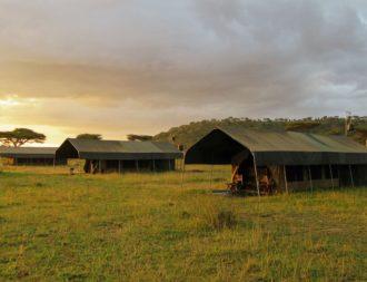 Blick auf die Gästezelte im Serengeti View Camp